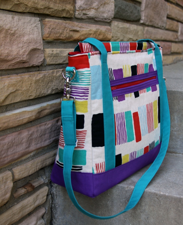 Tudor Bag by East Dakota Quilter - side